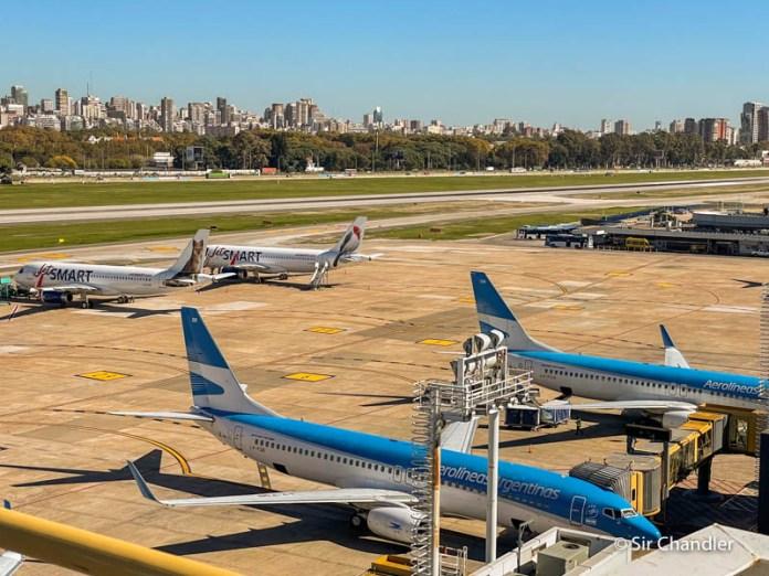 ¿Cómo llegar o salir del aeropuerto en el confinamiento total?