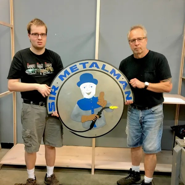 company logo sirmetalman guys