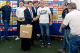 Fudbalski savez Srbije uručio opremu svim mitrovačkim klubovima