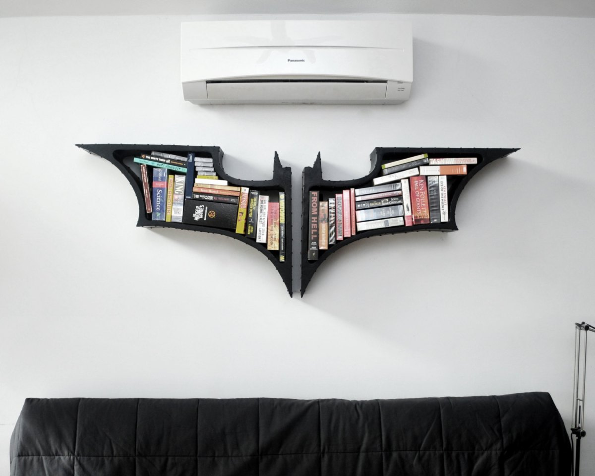 Update : Sir_Pierre´s Crib / Batman Bookshelf