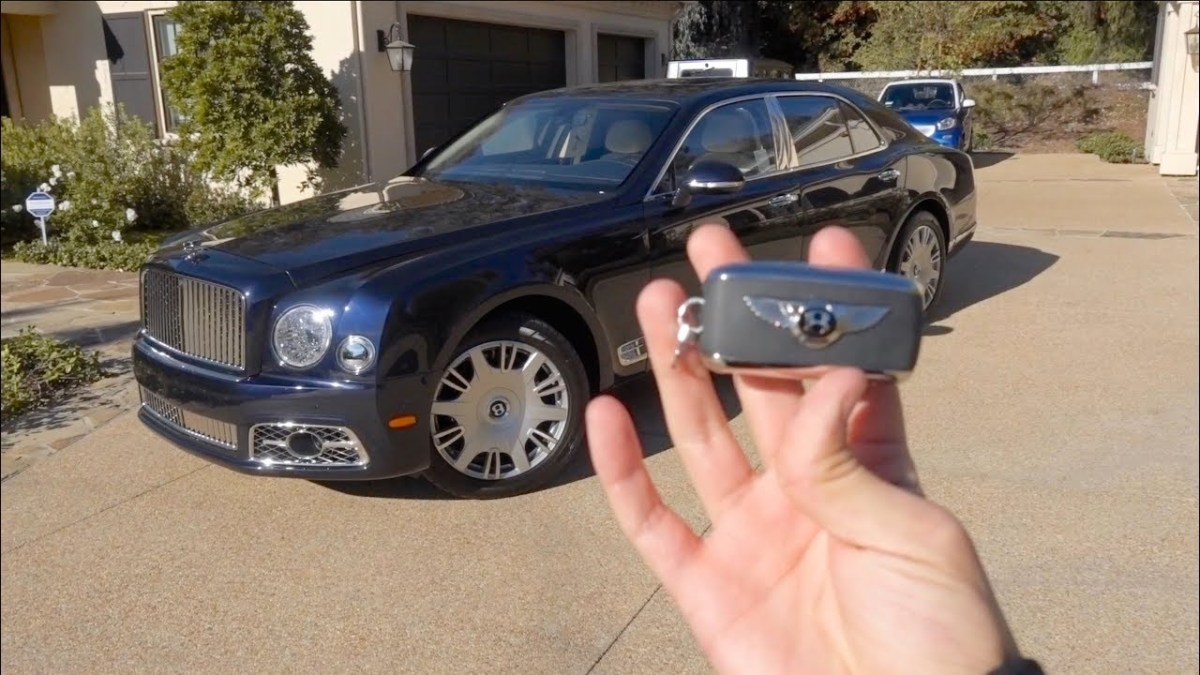 Salomondrin : So, a Bentley Mulsanne instead of a Rolls?