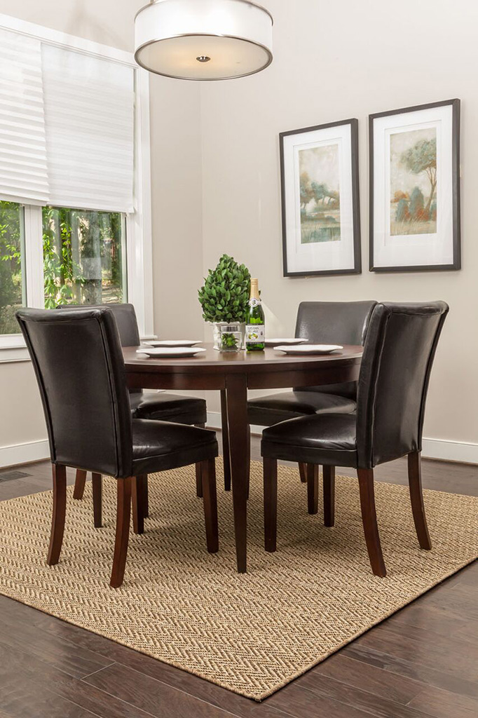 Synthetic Sisal Rugs Under Your Dining Room Table - Sisalcarpet
