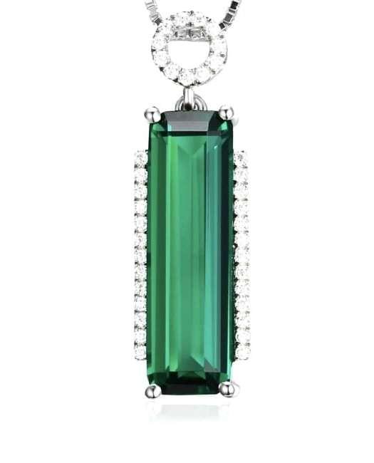 Amulet: Exquisite Emerald Pendant