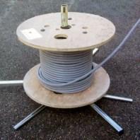 Satellite - Permite el uso con bobinas pequeñas, solamente hay que desmontar los husos