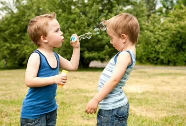 como lidar com as brigas entre irmãos.
