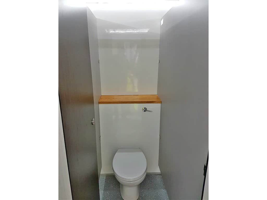 8 bay toilet inside web • Site Equip