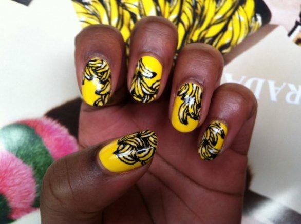 unhas decoradas para pele negra amarelo