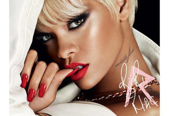 MAC lança coleção em parceria com Rihanna