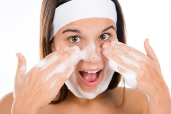 dicas para fazer uma limpeza de pele profunda em casa