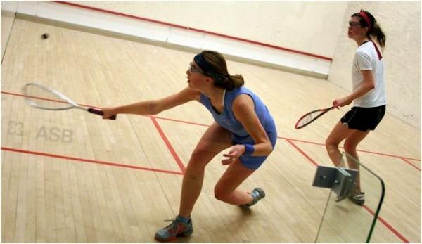 Squash é uma aulas que mais emagrecem