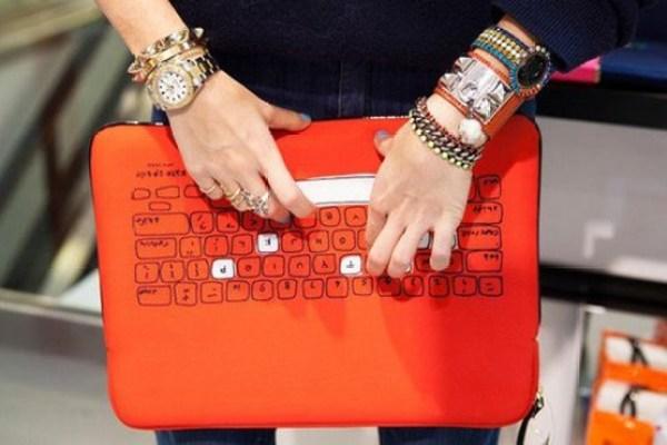 Bolsas femininas para tablets e laptops para mulheres jovens