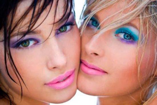 Maquiagem de carnaval para loira e morena