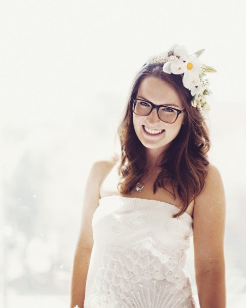 Noiva usando óculos