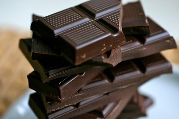 chocolate meio amargo para conseguir uma pele impecável