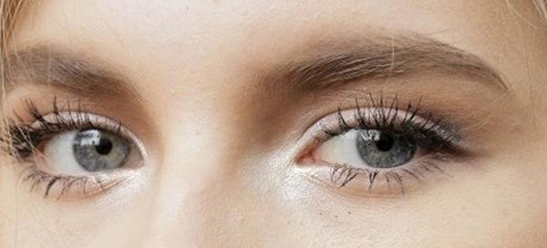 como fazer uma maquiagem para olhos pequenos