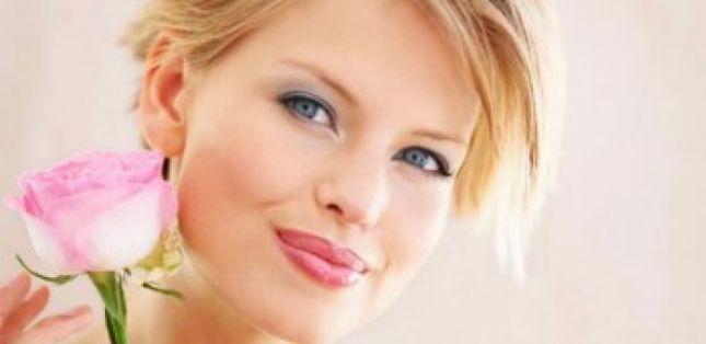 9 dicas incríveis de maquiagem para loiras