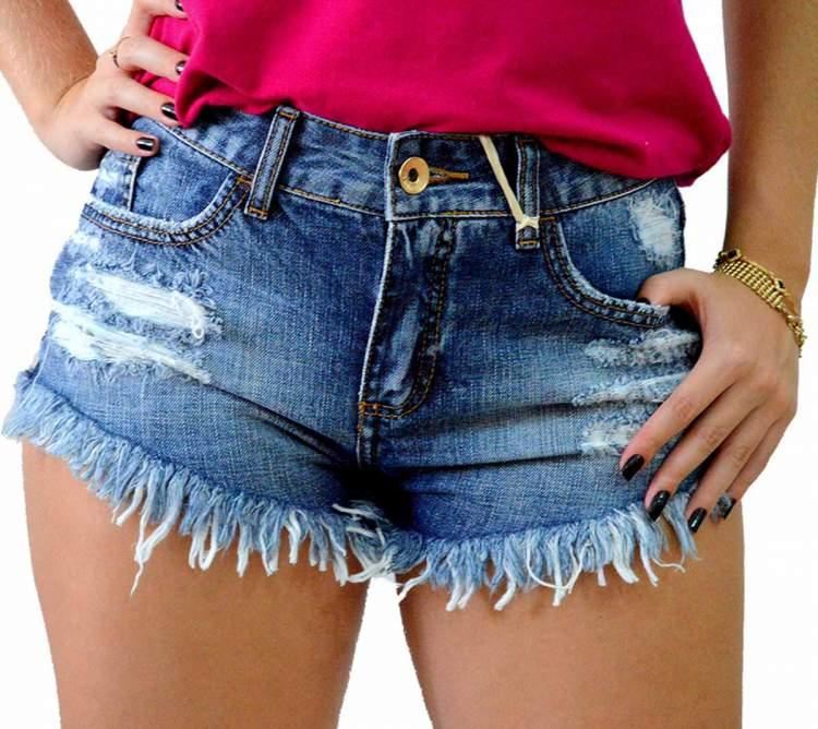 maneiras de usar shorts jeans