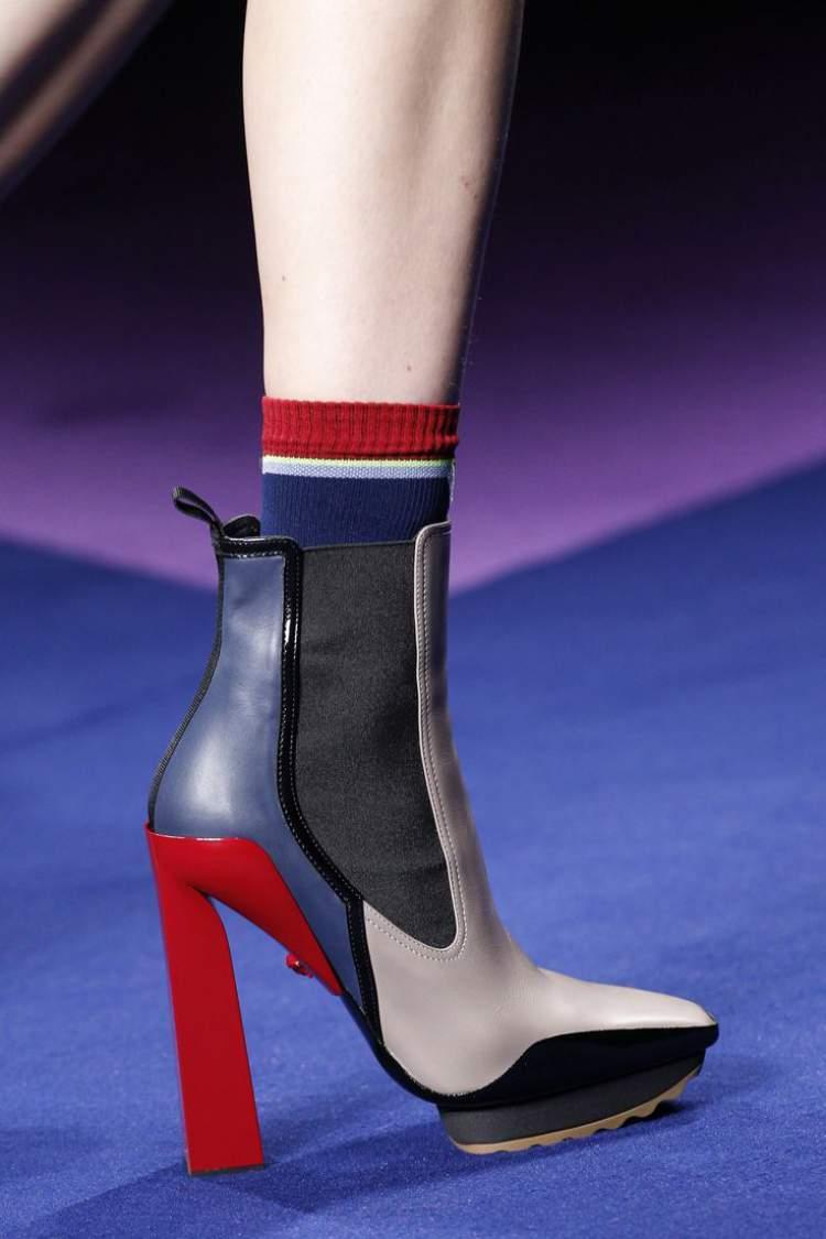 bloco de cores entre as tendências de calçados para usar no inverno 2017