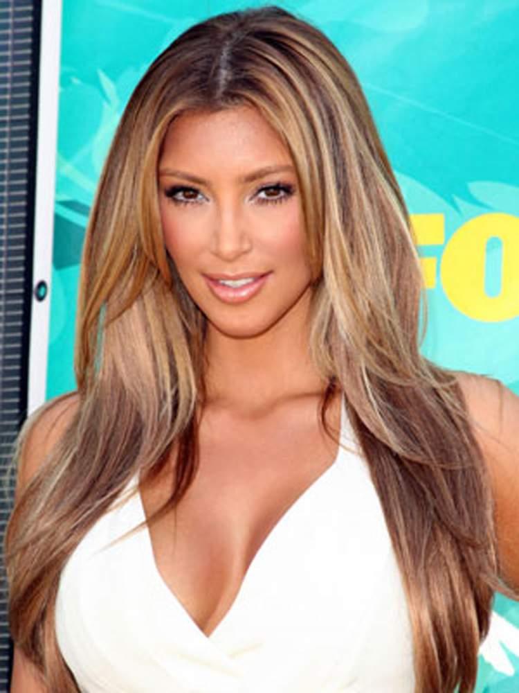 Cabelos Longos com Camadas de Kim Kardashian