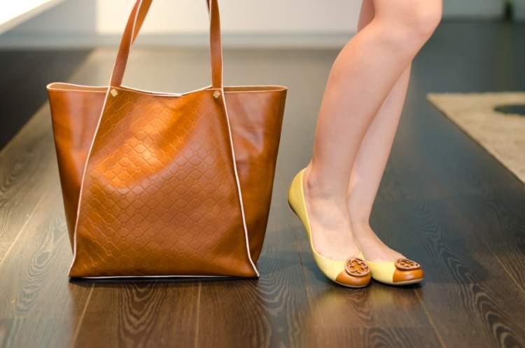 Shopping Bag é uma das tendências em bolsa para o verão 2018