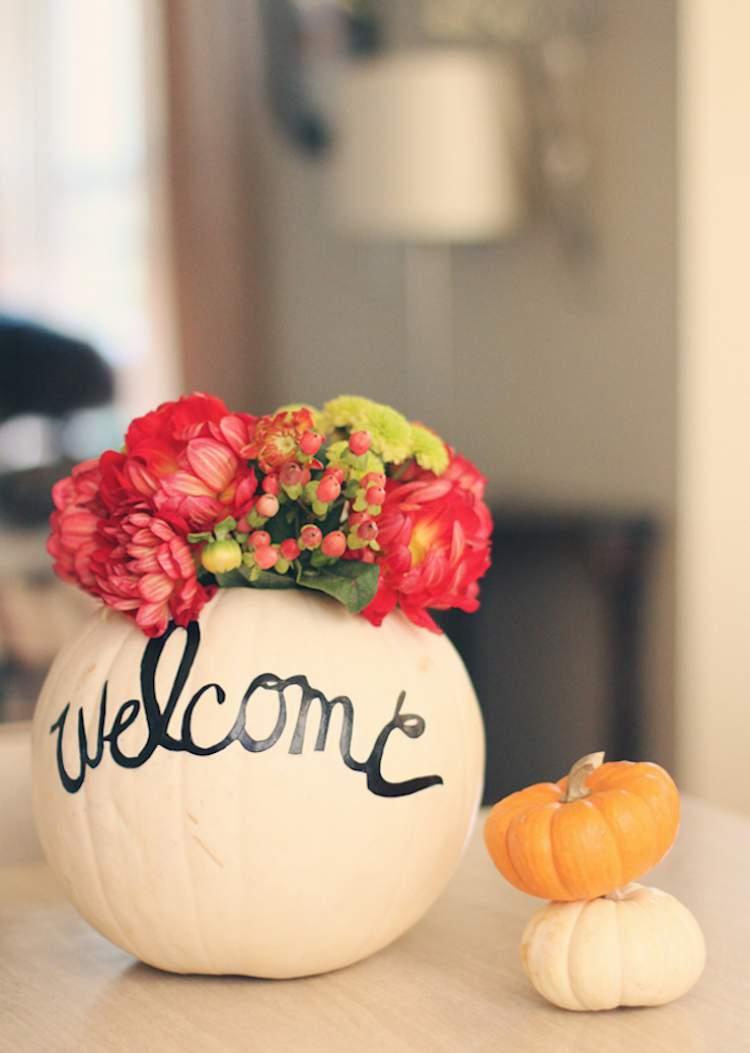 Vaso de abóbora para decorar sua casa com flores