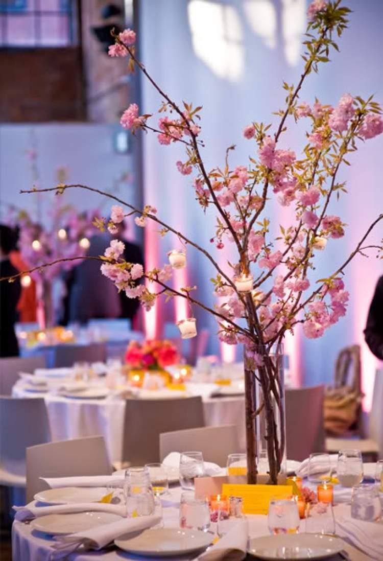 A flor de cerejeira é uma das flores para buquês e arranjos