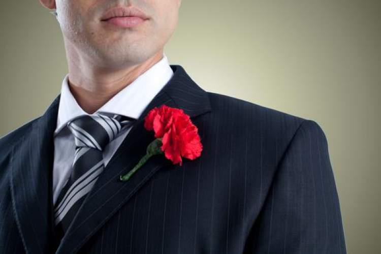 Cravo no paletó do noivo