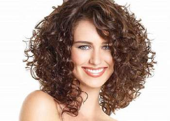 Técnicas caseiras para cachear o cabelo sem danificar os fios