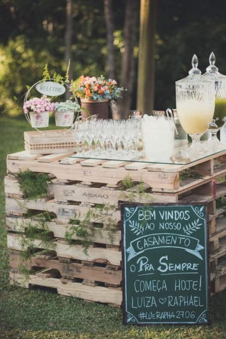 Ideia para decoração de casamento no campo