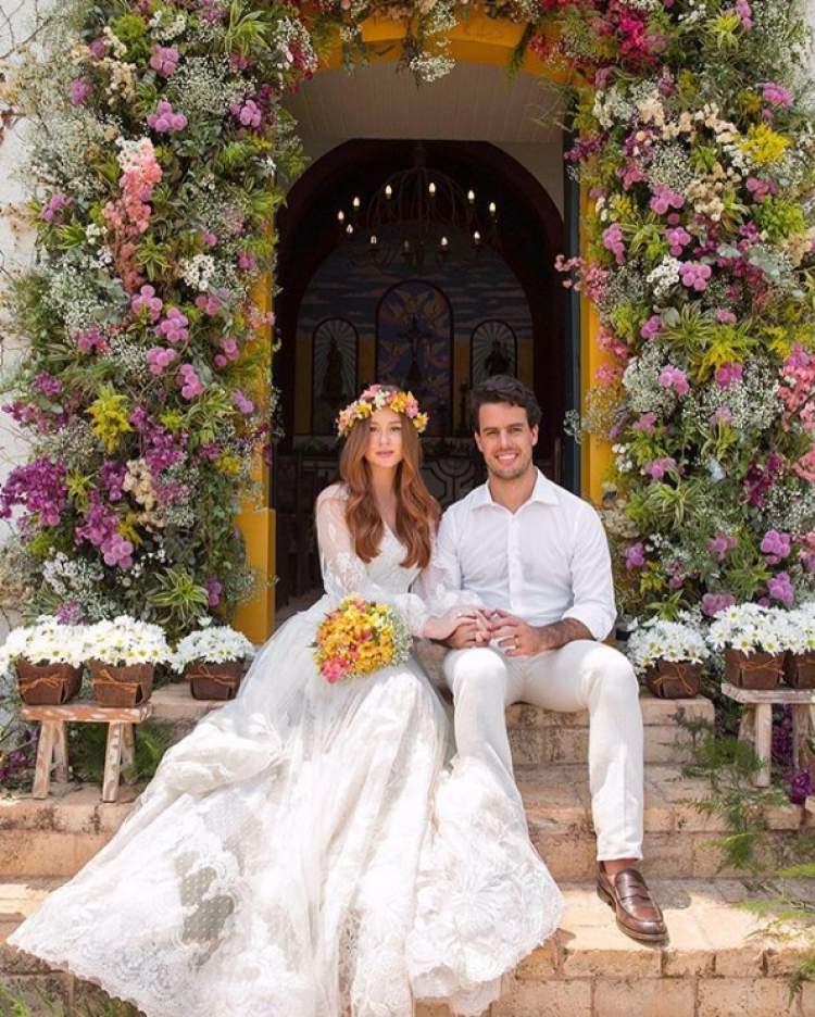 As flores foram um dos grandes destaques do casamento da atriz Marina Ruy Barbosa com o piloto Xandynho Negrão.
