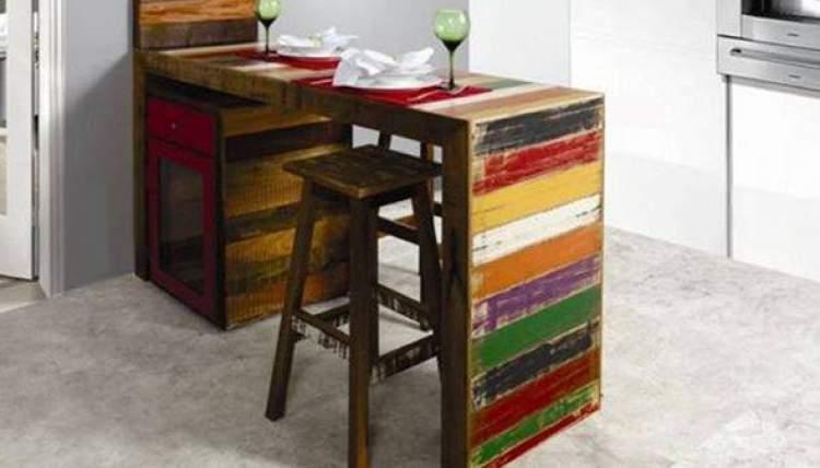 Balcão de cozinha para ser usado como mesa