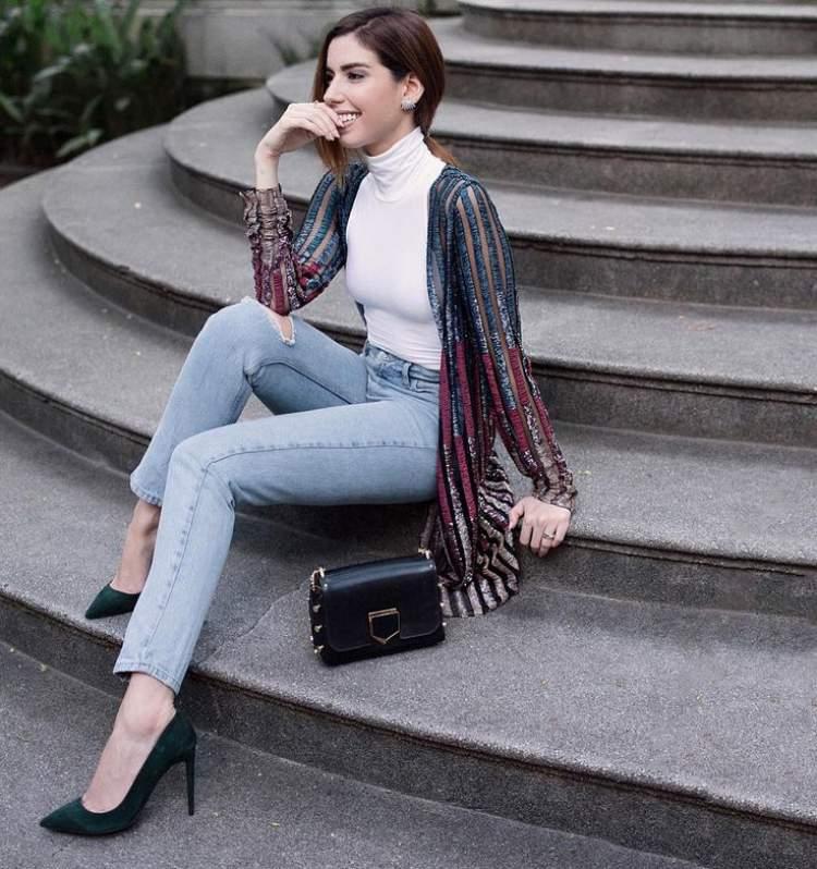 A combinação do look básico + peça bordada é uma tendência Hi-Lo