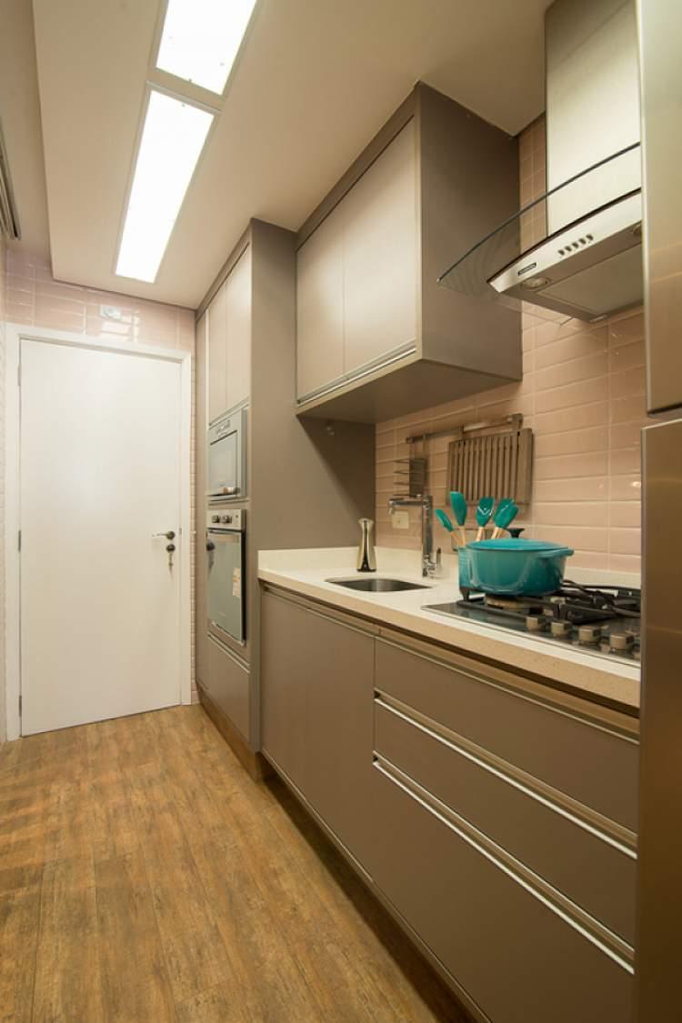 Modelo de cozinha iluminada