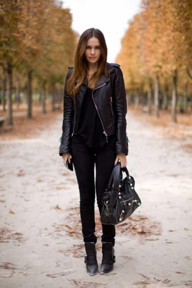 Lindo look com jaqueta de couro