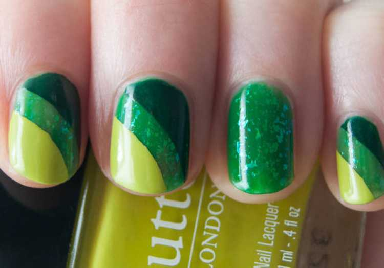 Unhas decoradas em verde e amarelo para torcer pelo Brasil na copa
