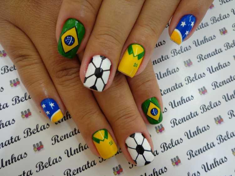Unhas decoradas para torcer pela seleção brasileira na copa do mundo