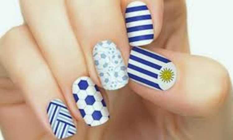 Unhas decoradas para torcer pelo Uruguai na copa do mundo