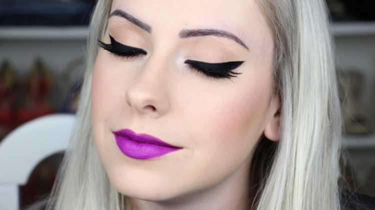 Boca roxa é uma das maquiagens lacradoras para o Réveillon