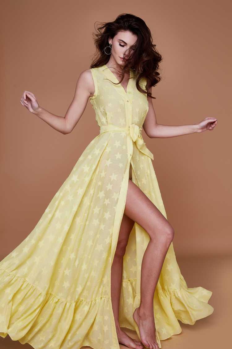 vestido de botões na frente amarelo com fenda