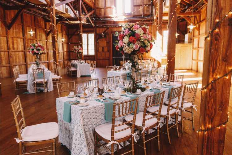 Casamento em casa no celeiro