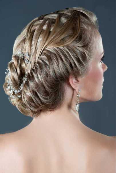 Penteados para mãe da noiva preso moderno com pontos de luz