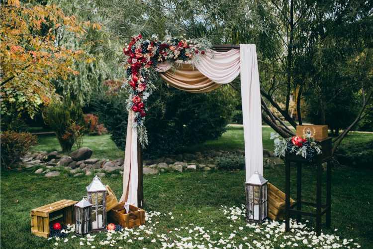 altar simples para casamento em casa
