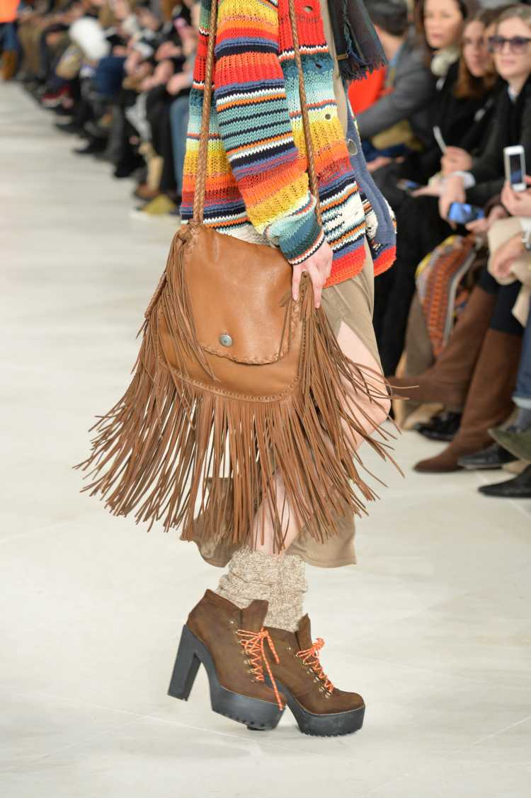 bolsa com franjas da moda inverno 2019