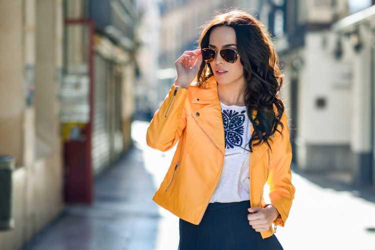 jaquata amarela é tendência no inverno
