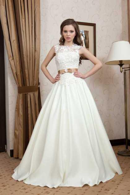vestido de noiva em tafetá rodado com cropped bordado