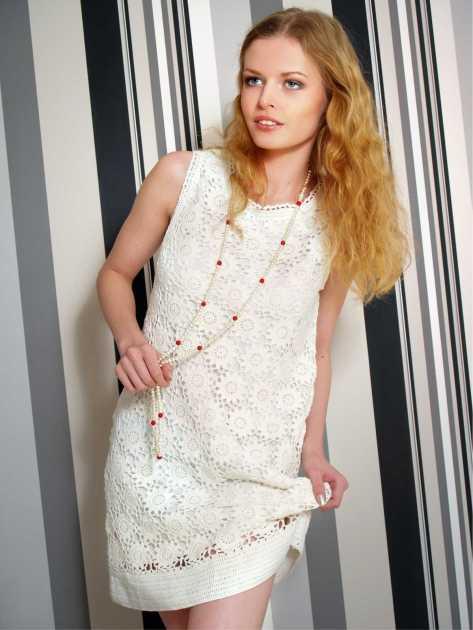 vestido branco em macramé
