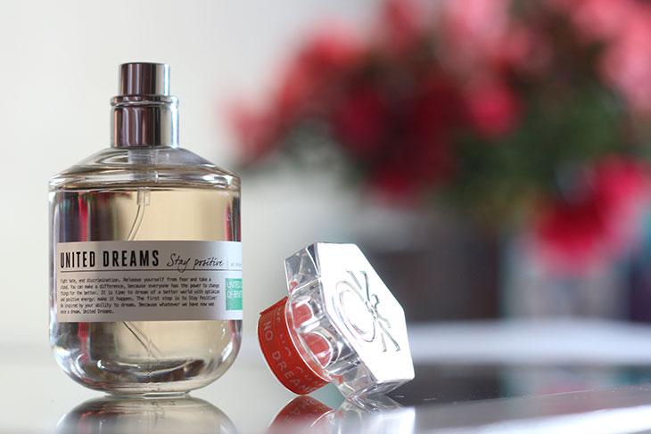 Perfume United Dreams Stay Positive de Benetton é um dos melhores perfumes femininos para usar no verão