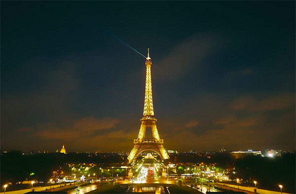 Torre Eiffel a noite, luzes