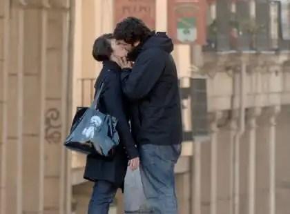 ¿Cuántos besos nos damos al día? Las ventajas de los besos