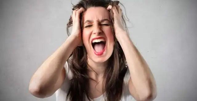 Extraño método para quitar la histeria a las mujeres
